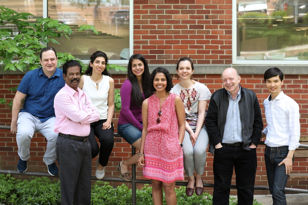 group photo of Pierpaoli's lab members