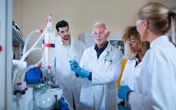 students training in a lab